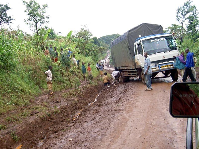 800px-Transportation_in_Tanzania_Traffic_problems